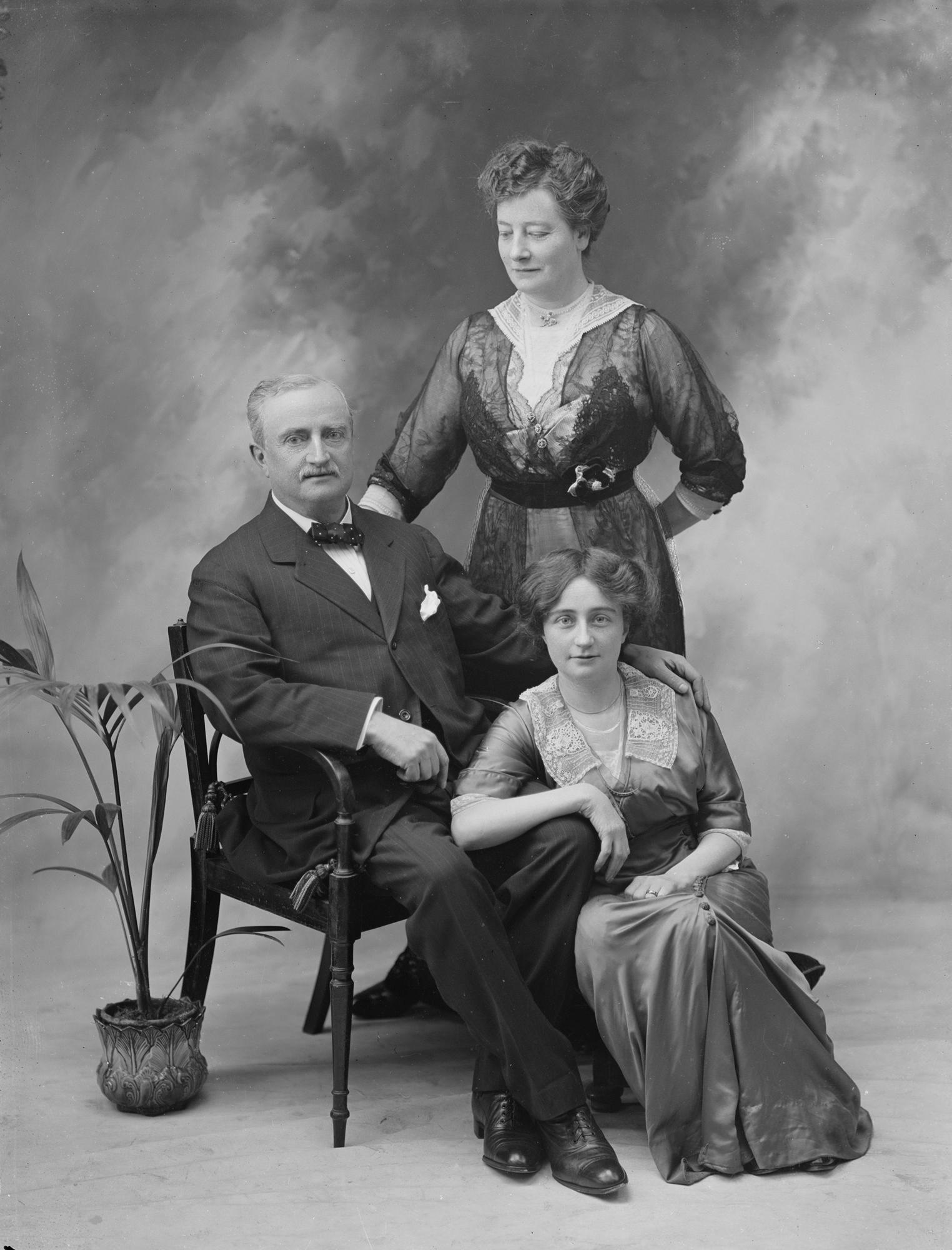 Mr. J. Redmond. M.P., Mrs. Redmond and girl