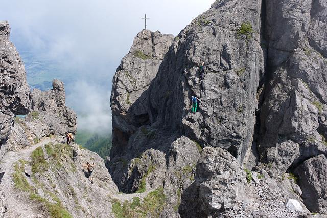 The Three Sisters trail . Liechtenstein