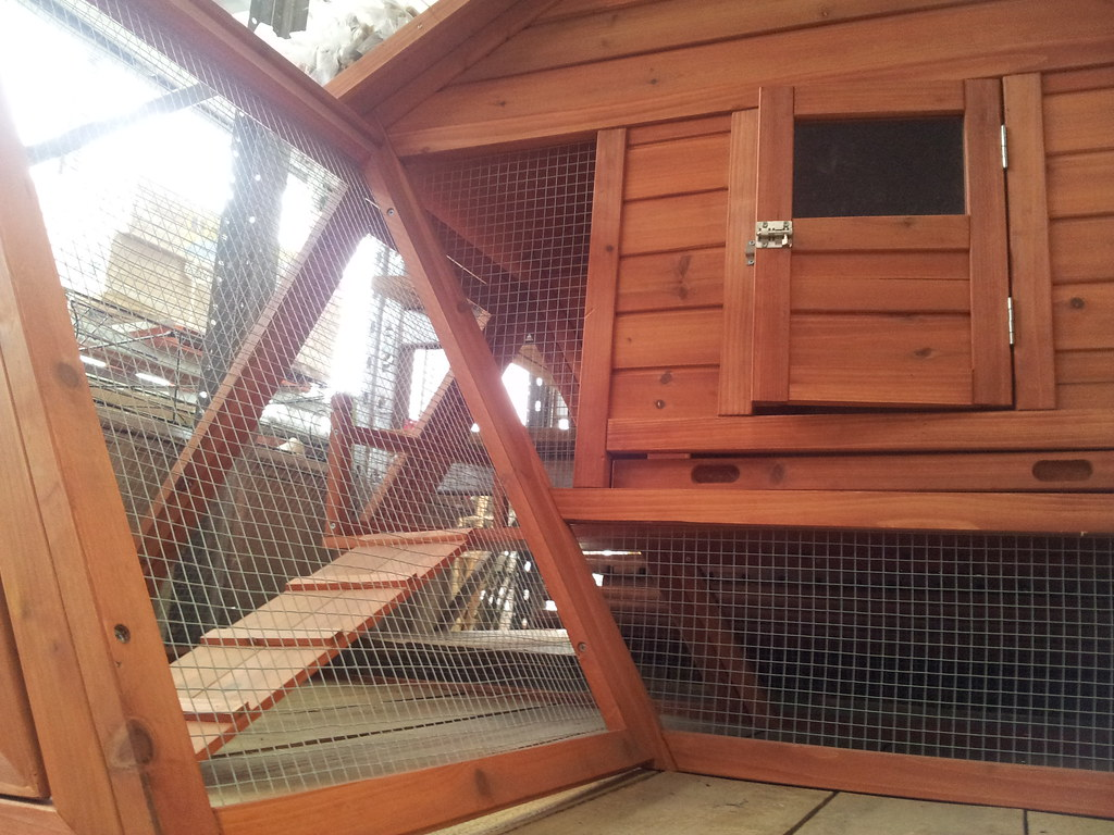 An animal hutch for rabbits or guinea pigs