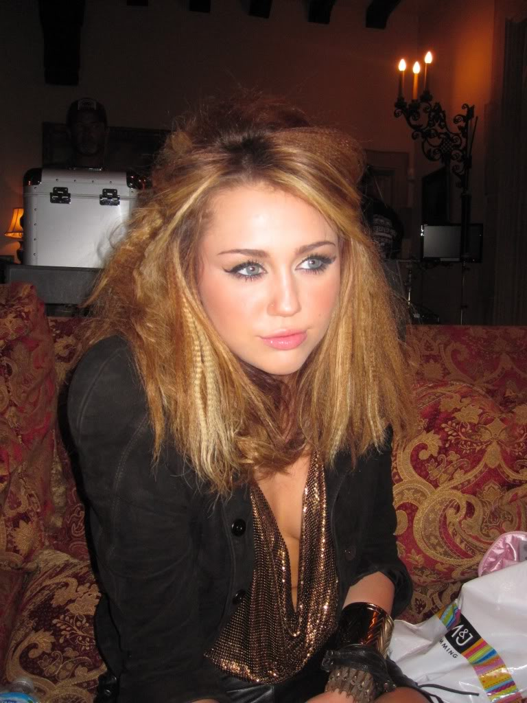 Miley Cyrus Still From Who Owns My Heart 2010 Miley Cy Flickr
