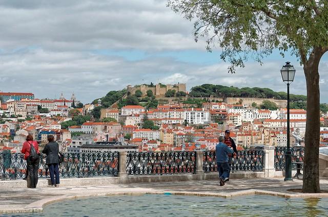 Lisbon :  Miradouro São Pedro de Alcântara