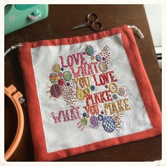 Made myself a project bag with Dropcloth Samplers! This is side one. #bonniesennott #dropclothsamplers #embroidery #projectbags