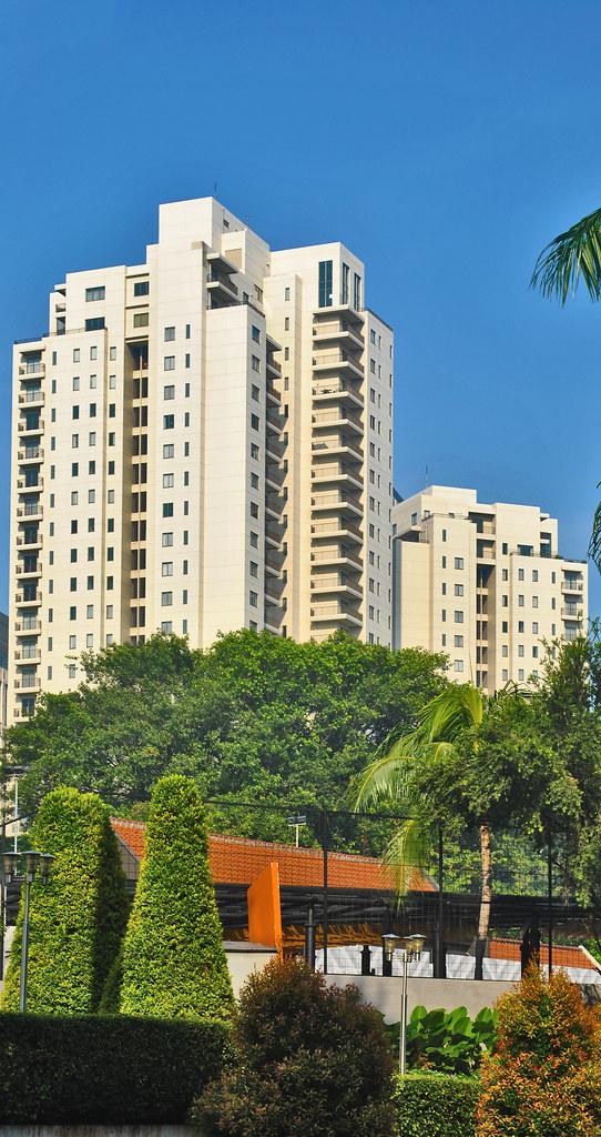 Apartemen Plaza Senayan