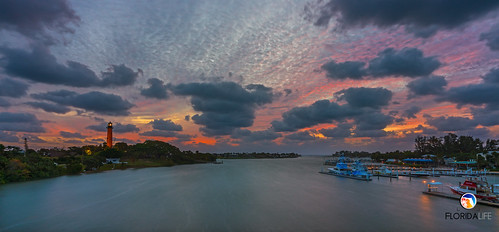 sony a7r2 sonya7r2 ilce7rm2 zeissfe1635mmf4zaoss fx fullframe scenic landscape waterscape nature outdoors sky clouds colors sunrise tropical palmtrees boats fishing lighthouse jupiterlighthouse jupiter tequesta florida southeastflorida atlanticocean palmbeachcounty