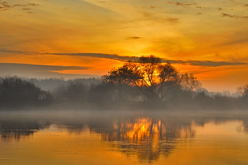 morning fog sunrise river