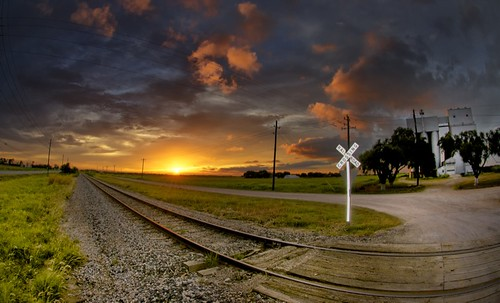 railroad sunset texas katy dusk tracks unionpacific mkt prairie railroadcrossing railroadtracks greatplains katytexas brookshire brookshiretexas ruralrailroadcrossing
