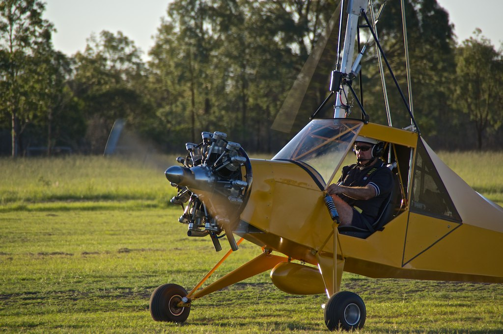 G007 - Little Wing tractor gyrocopter powered by a 7 cylin