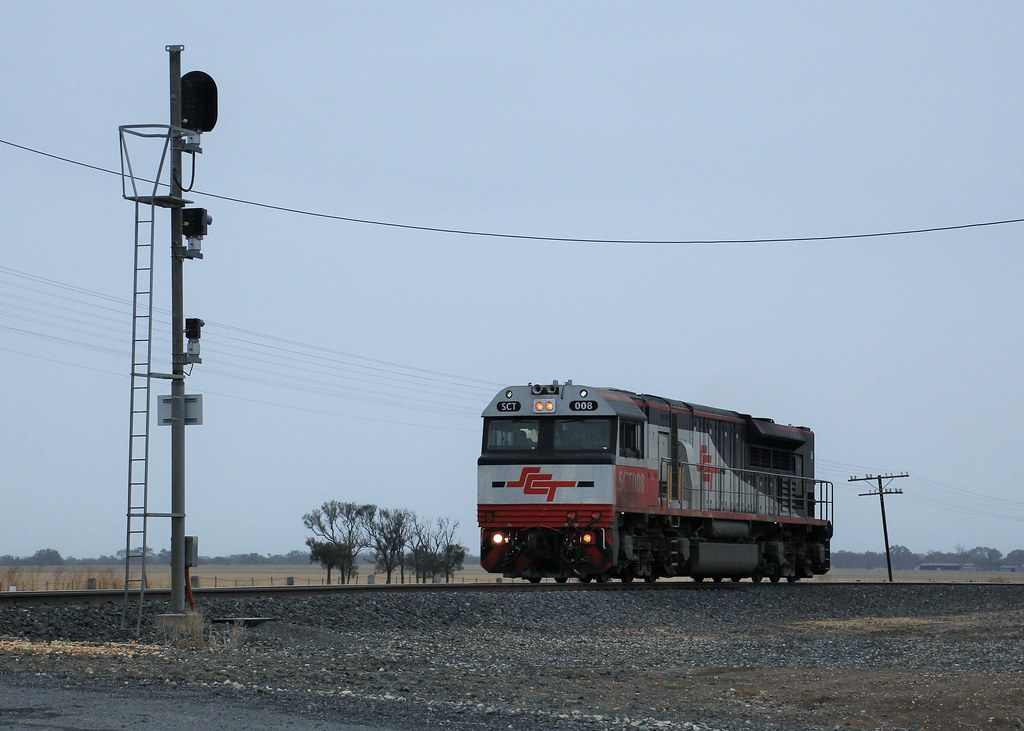 SCT008 on D271S waits for the stick to allow access to the Dooen Freight terminal by bukk05