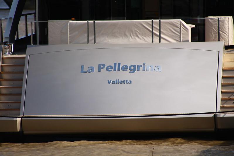 """Milliardaire mais immatriculé à La Valette.""""La Pellegrina"""" - Bordeaux - 15 avril 2012"""