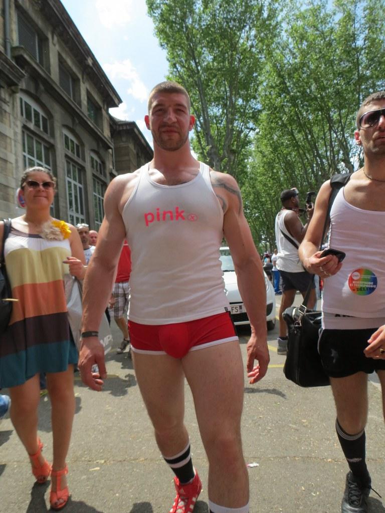 gay lyon rencontre à Nîmes