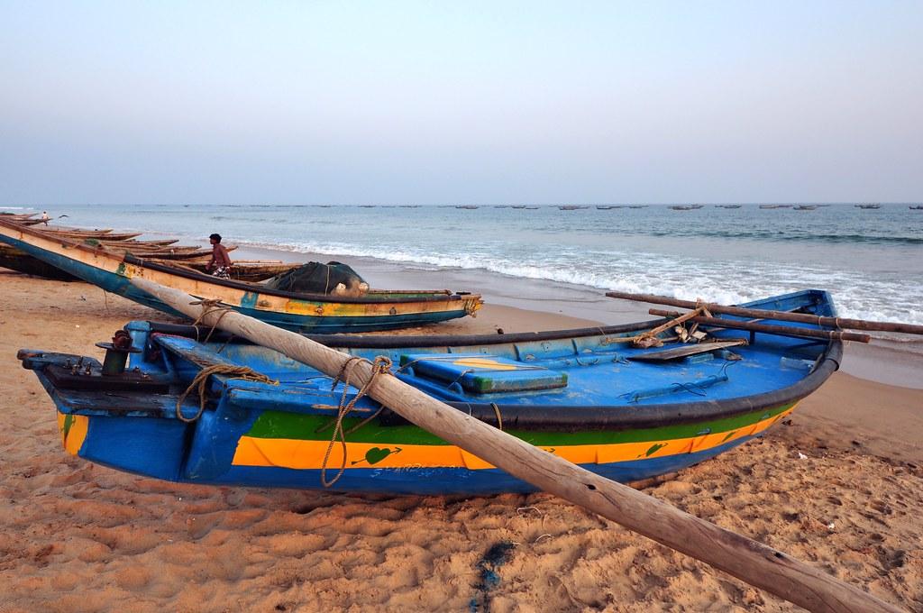 India - Odisha - Puri - Fishing Boats - 04