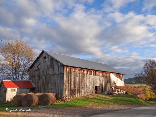 barn color countryroads fall farm farmland landscape pa road scenic travel country lakewood pennsylvania unitedstates