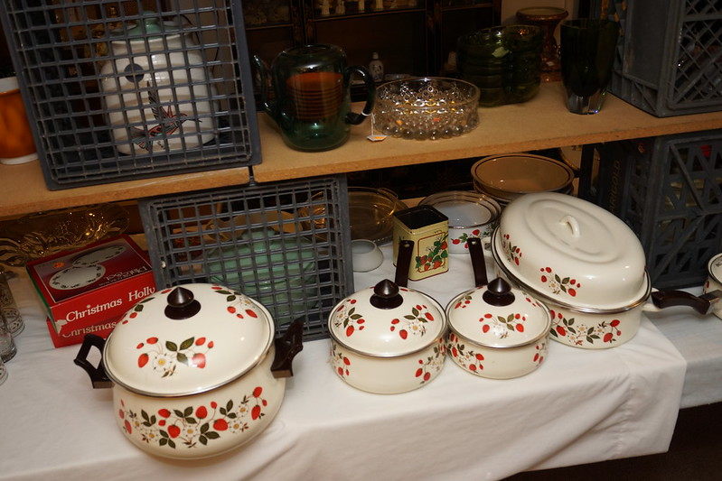 Huge Estate Sale! Castle Rock, WA August 23, 24 & 25 - 2013! Photo #DSC04748