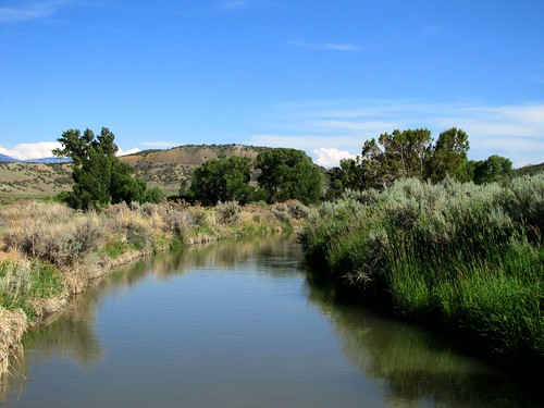 rural colorado manmade agriculture irrigationcanal montrosecolorado uncompahgrevalley diversiondevise
