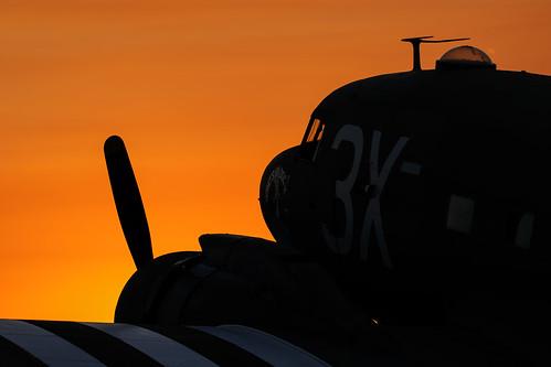 california sunset field silhouette airport aircraft elcajon airshow gillespie c47 2015 whatsupdoc airshowsandiego