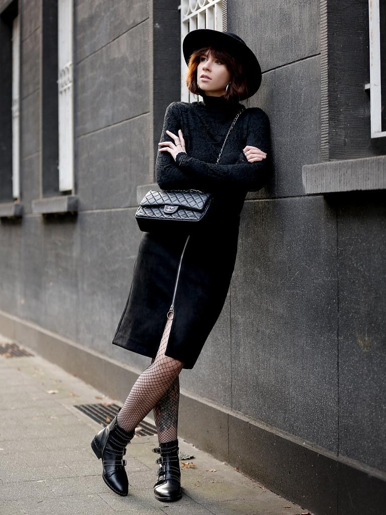 a462c9fb6 ... VILA lace layering black allblack hat spanish style dark romance  fishnet tights chanel classic luxury bag