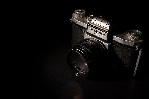 camera film 35mm canon vintage 50mm vintagecamera filmcamera f18 tamron speedlight praktica 2875mm strobist fx2 60d snooted yongnuo