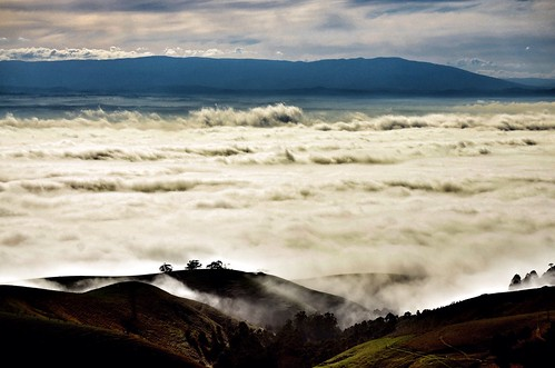weather fog clouds rural sunrise nikon day view farm foggy australia victoria valley vic outlook seaview gippsland mtbawbaw strzeleckiranges mountbawbaw westgippsland d5100 strzeleckis nikond5100 phunnyfotos