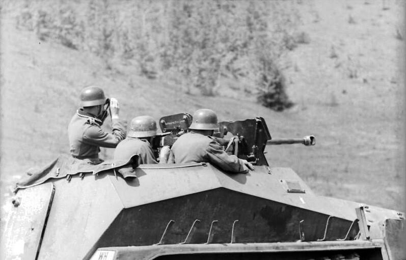 Sd.Kfz. 250/11 of the Panzergrenadier-Division Großdeutschland