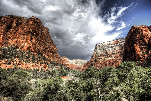 storm clouds clouded zion national park canyon np nps outdoor nature landscape mountain canon 6d ef1740mmf4lusm rik tiggelhoven travel photography utah usa america amerika color hdr