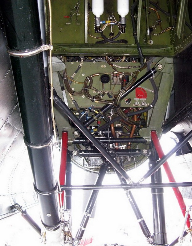 Avro Lancaster B (5)