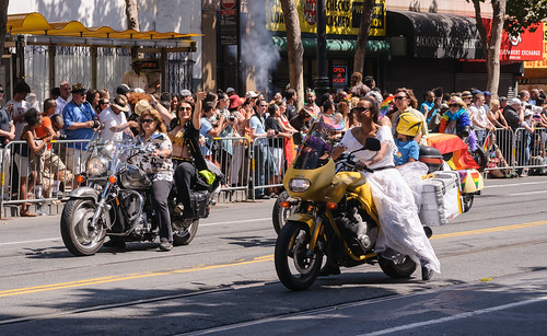 Dykes on Bikes, San Francisco Pride 2013 | by InSapphoWeTrust