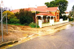 2000 0708 - Daly Street and School Lane cnr.