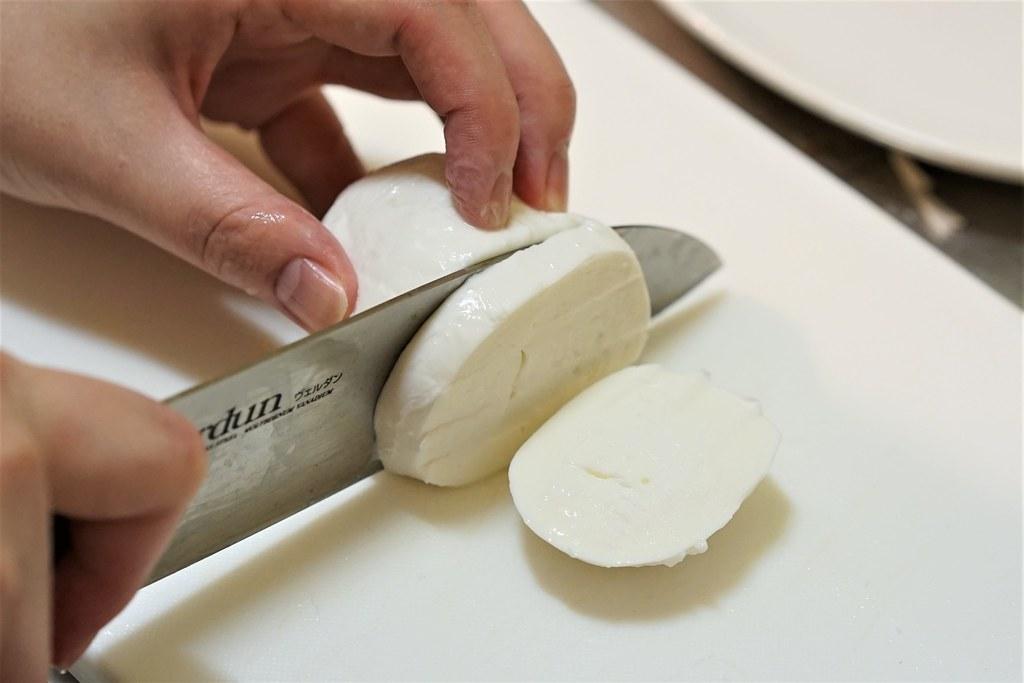 チーズスタンド_出来たてモッツァレラ3