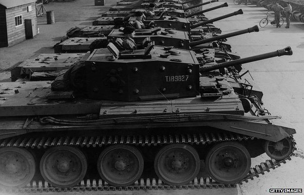 Cromwell tanks in a row