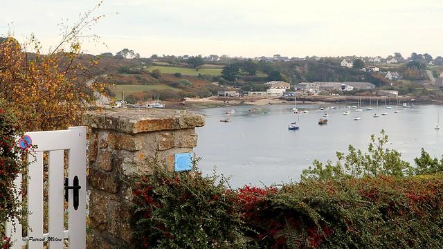Gate on sea - Saint Pabu