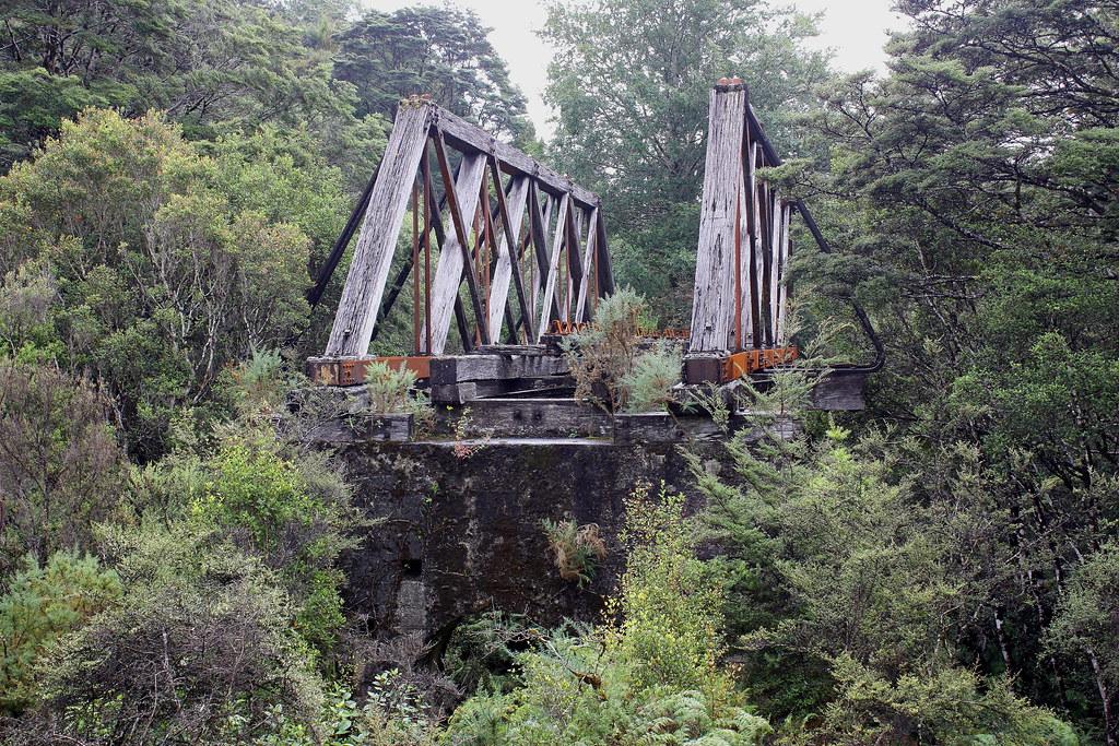 Roa Incline Bridge (photo by Bruce Hermann)