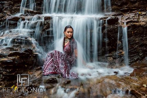 canon waterfall indian desi pakistani bridal bridalshoot 2013 trashthedress 5dmarkiii zacharylong fenglongphotocom fenglongphotography trashthesaree