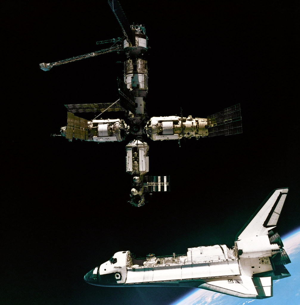 Atlantis Departing Mir A View Of The Space Shuttle Atlanti Flickr