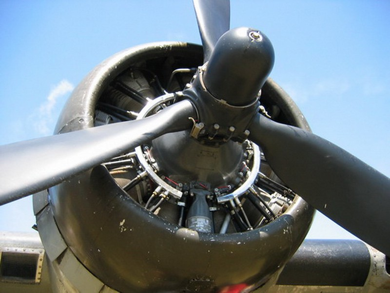 B-17F Flying Fortress (1)