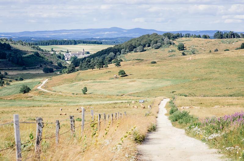 La grande traversee du massif central - Les petits villages de moyenne montagne