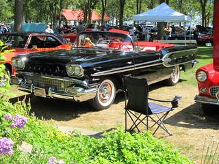 1958 Pontiac Parisienne.Autofest 2013,Lake View Park Oshawa 210