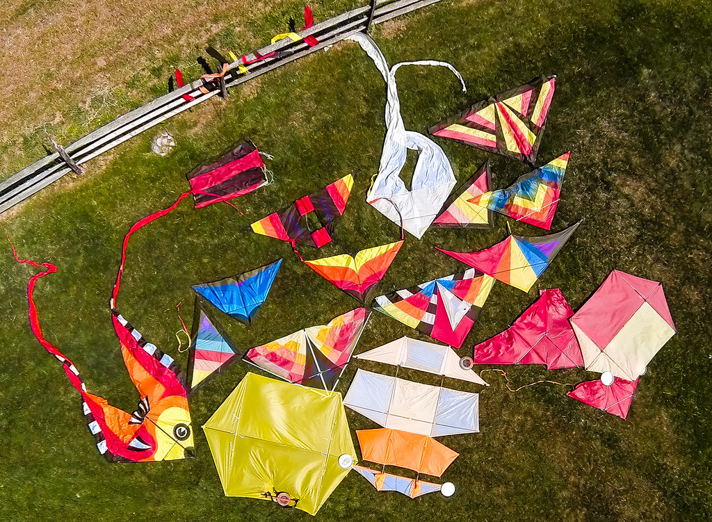 Kites that Lift Camera