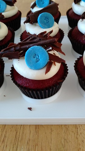 http://julijacklincupcakes.blogspot.com/2016/12/red-velvet-birthday-cupcakes.html?m=0