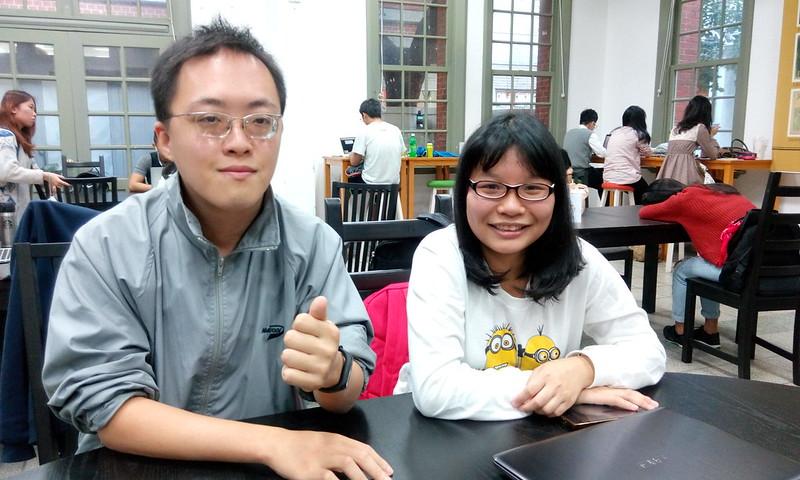 「兩個世界ONE WORLD-聯合國身心障礙者權利宣導講座」負責人蘇楠(左)、王琇琪(右)。圖/吳心予攝。