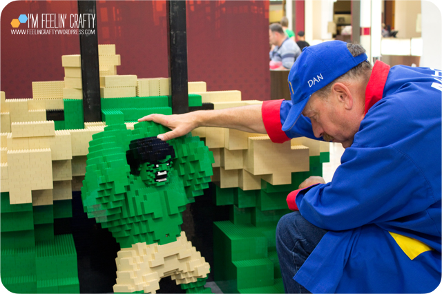 LegoStore-Hulk01-ImFeelinCrafty