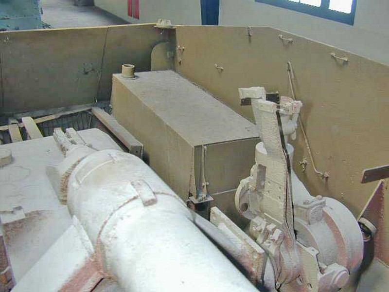105mm leFH auf Hotchkiss 39H 5