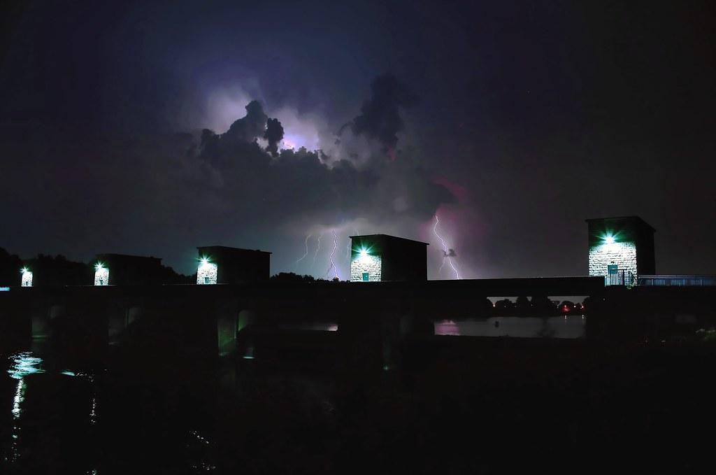 Ruhrdeich Duisbur lightning