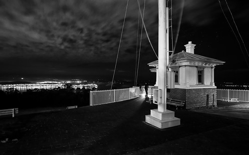 city night clouds evening view tasmania hobart flagpole signaltower mtnelson