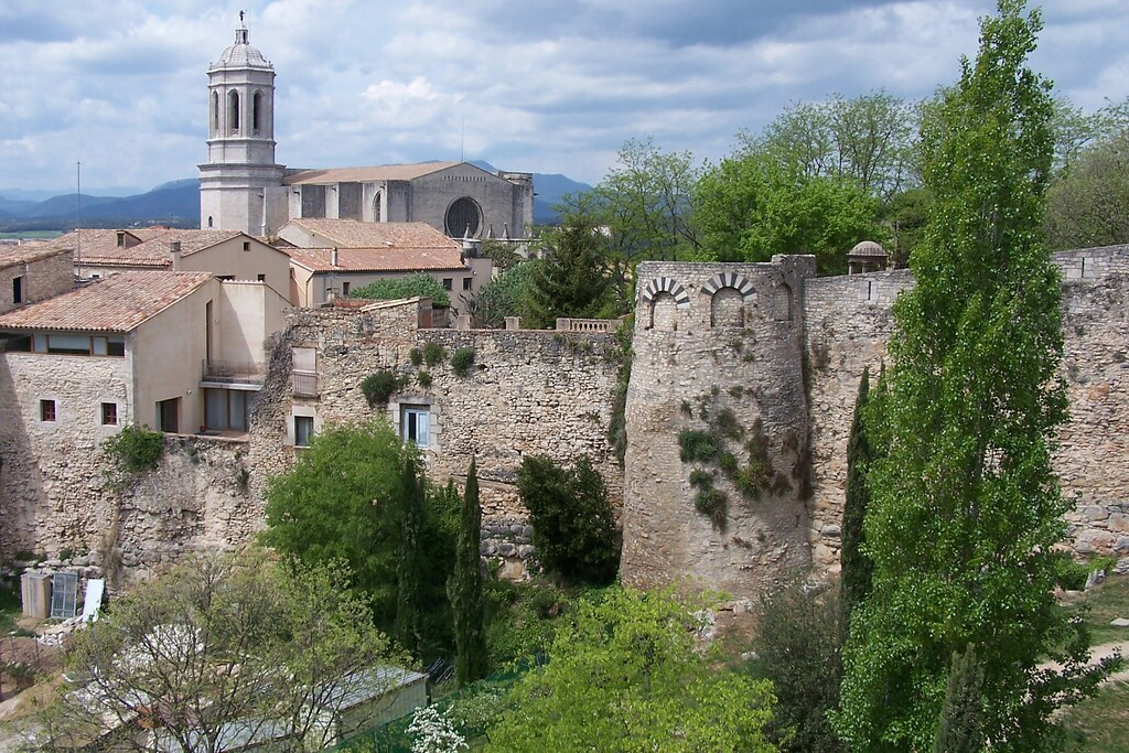 Catedral I Muralla Romana Girona Cathedral And Roman Wall Flickr
