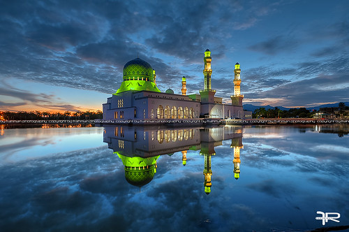travel architecture sunrise buildings pond nikon worship cloudy muslim islam mosque malaysia bluehour malaysian sabah islamic refelction likas nikond90 flickraward nikonmalaysia frahmanpixel