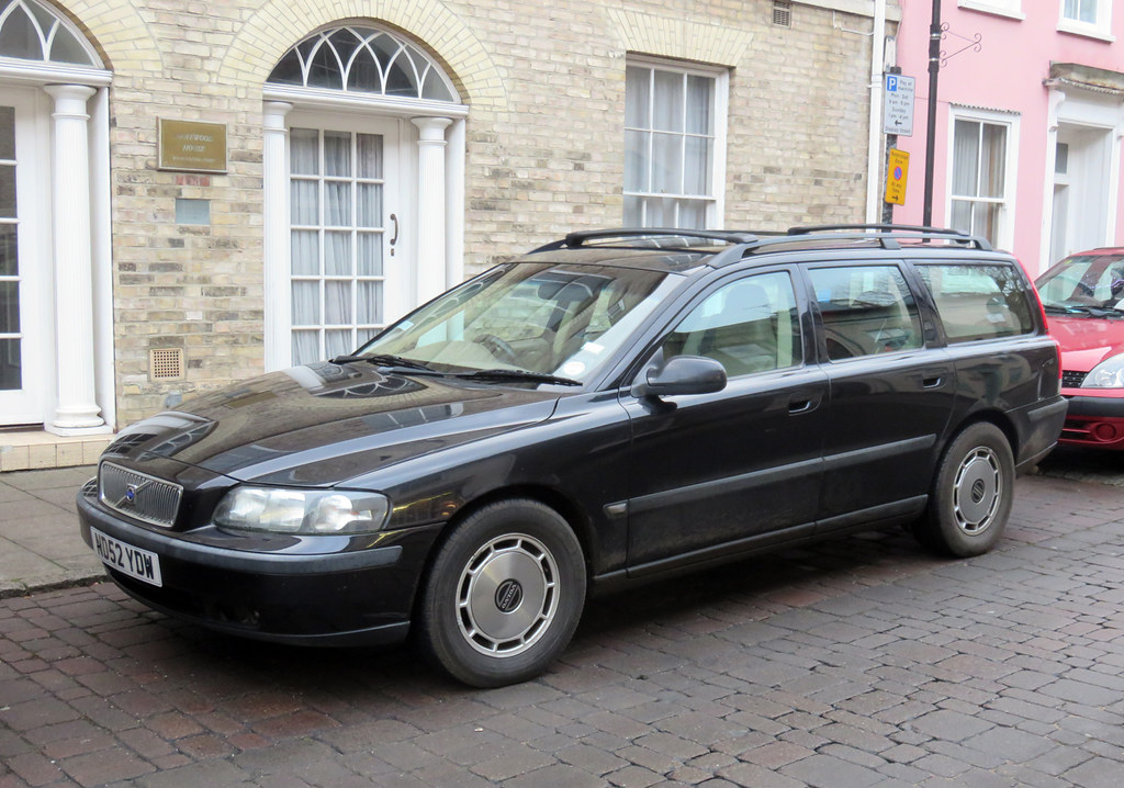 2002 Volvo V70 D5 SE | An odd one here, not so much for the