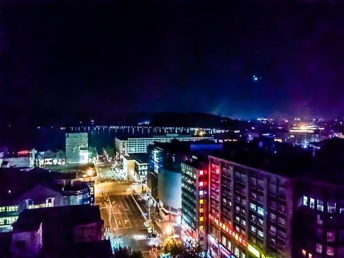 china road light lake kite building window car night landscape sony led westlake hangzhou mainland zhejiang kaiming c2305