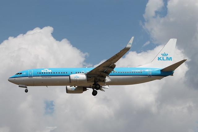 PH-BCB Boeing 737-8K2 KLM