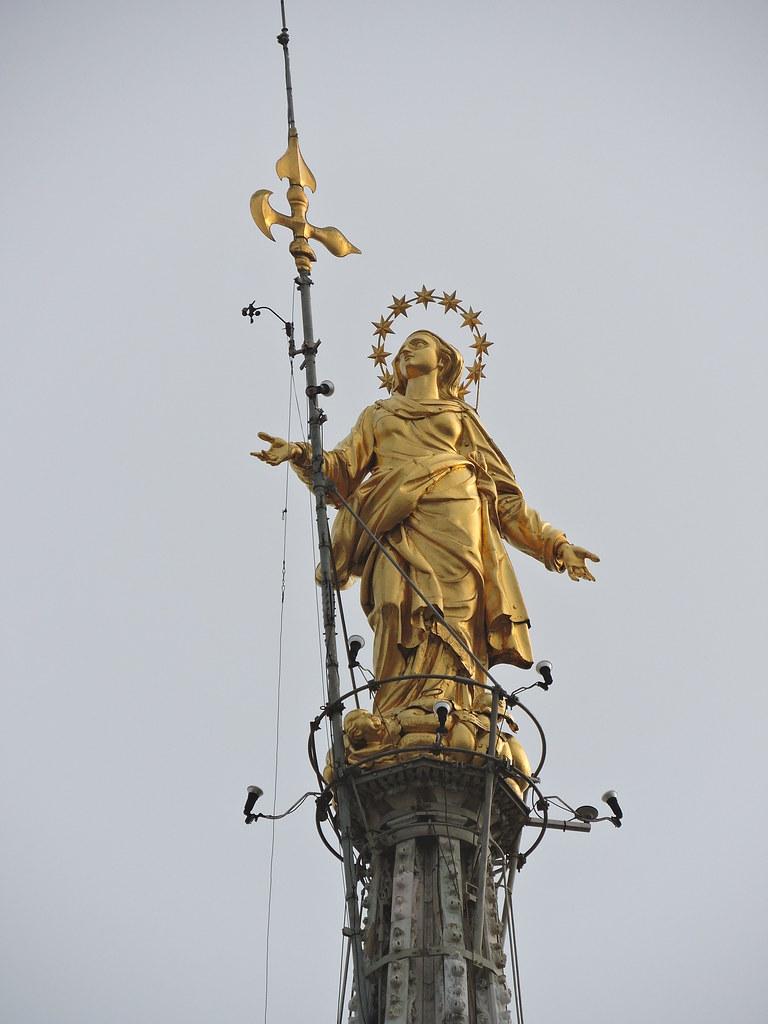 La Madonnina Terrazze Del Duomo Di Milano The Statue Of T