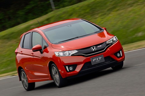 2014-honda-jazz-2015-honda-fit-photo-gallery-1080p-17 Photo